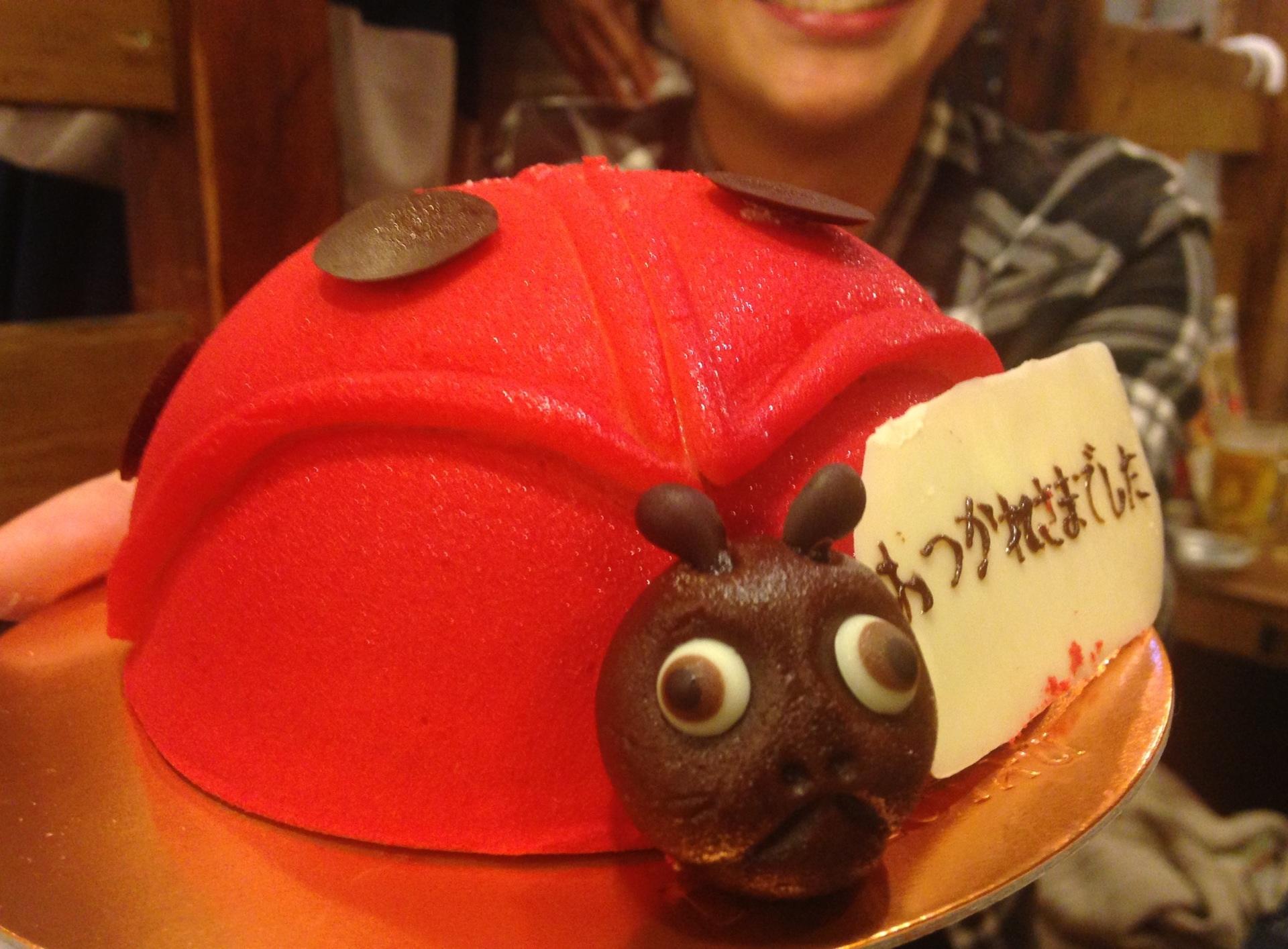 テントウムシのケーキ
