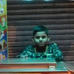 1-8 写真好きのインド人(ニューデリー・インド)