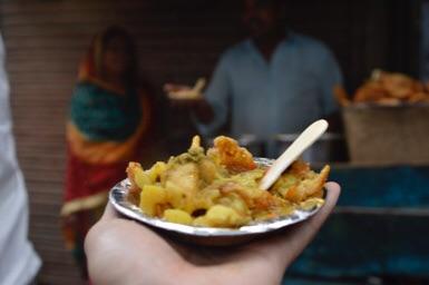 インドニューデリーの人々、奥の細道で食べたやつ