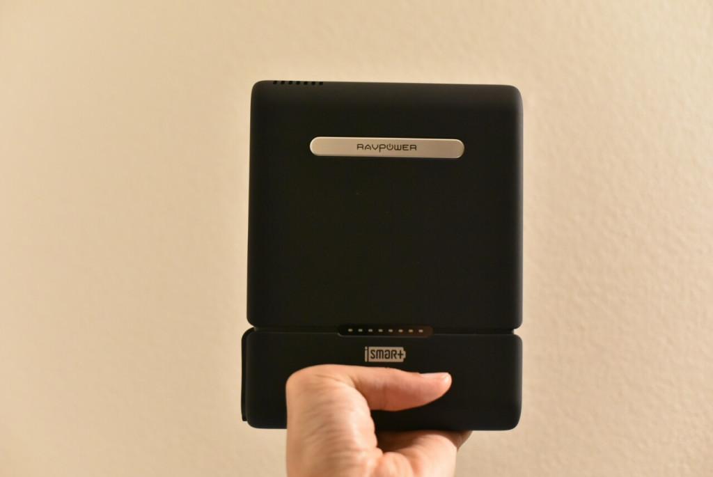 「正面」RAVPOWER 『ポータブル電源 RAVPower 27000mAh-RP-PB055 / 100W 予備電源 パソコン バッテリー(MacBookPro2016対応)