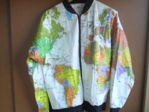 世界地図のアウター