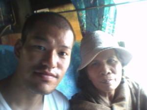 ベトナム行きのバスで出会ったギャル