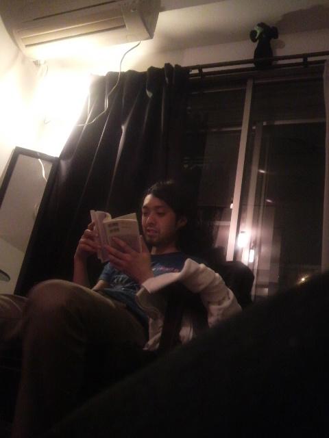 本を読む芸人