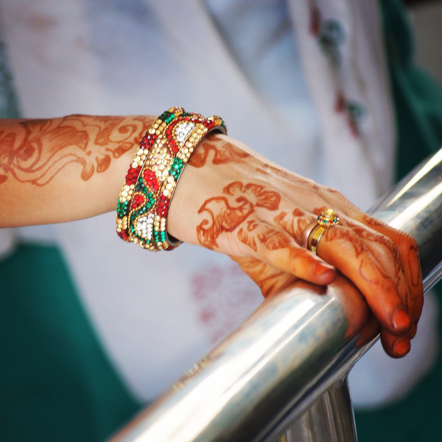 インドビザを取得したら行けるインド人女性の手