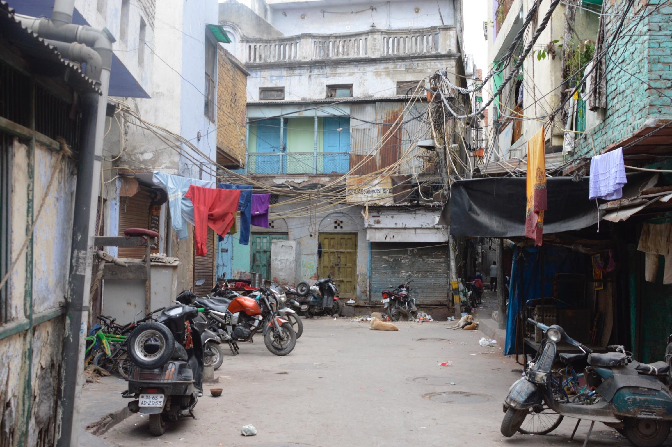 インドのメインバザー裏のゲストハウス付近