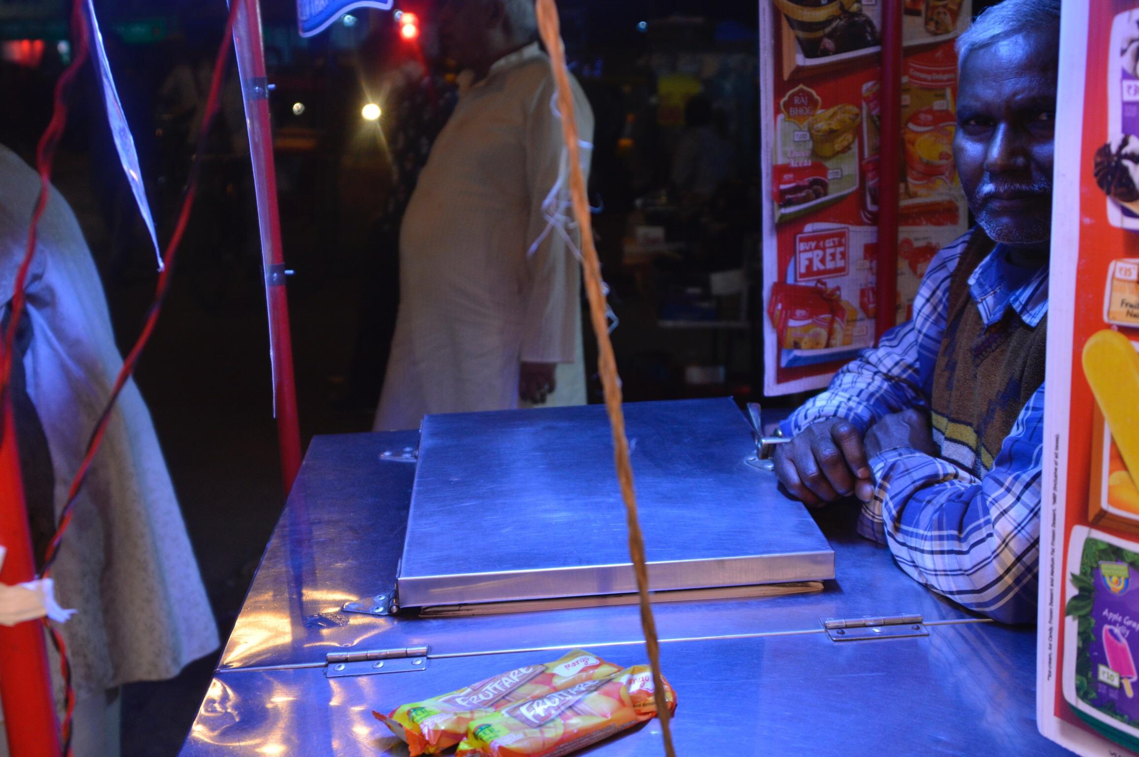 インド・ニューデリーにあるアイスキャンディー屋