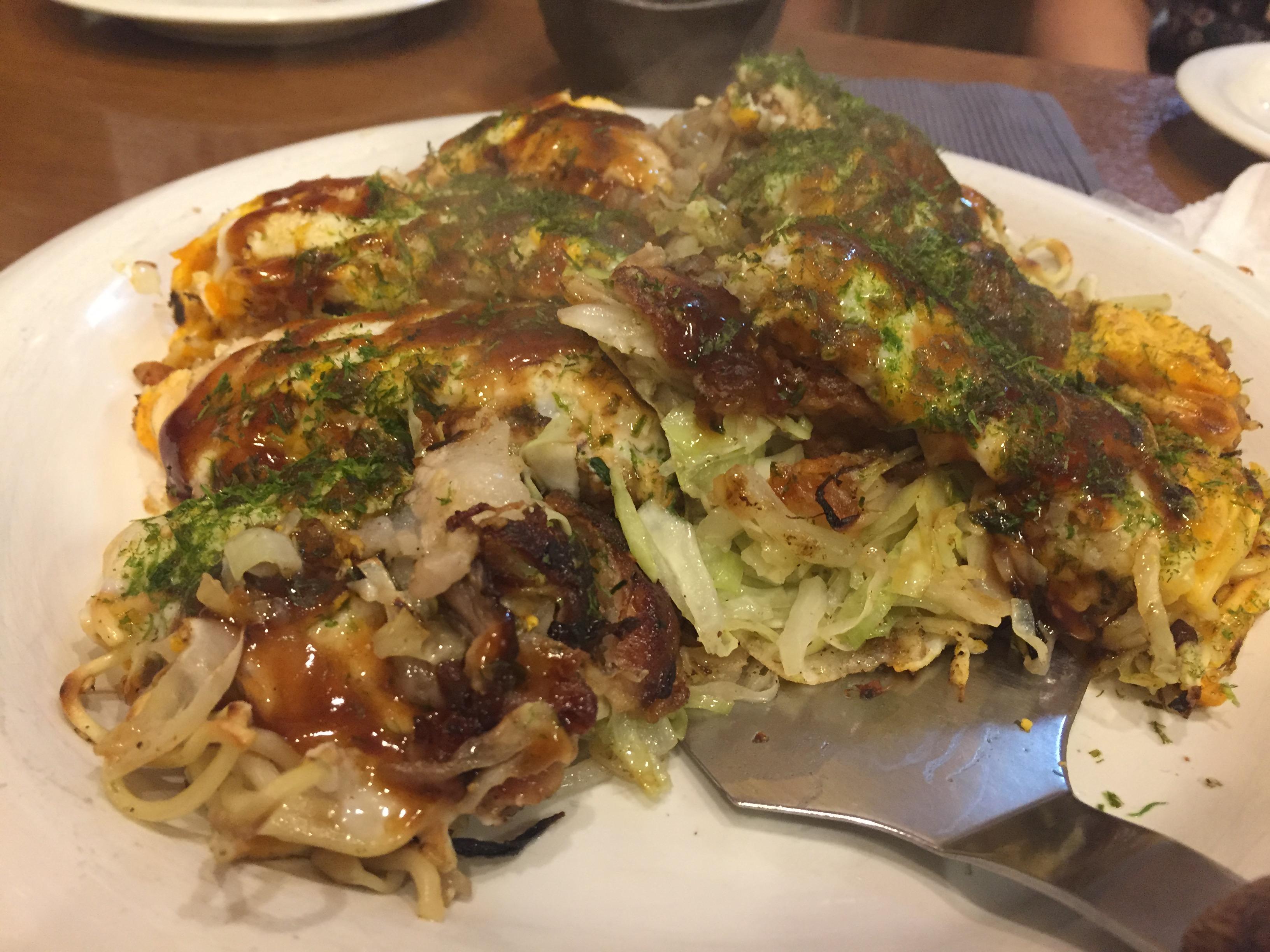 美味しそうな肉玉そば「西新宿にあるぶち旨やの」