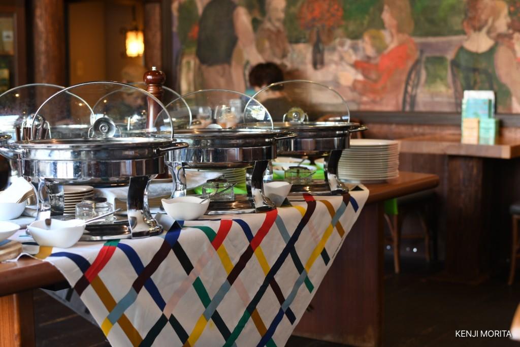 可愛いテーブルシート【行って来た】四谷信濃町にあるスリランカカレー「バンダラ ランカ」