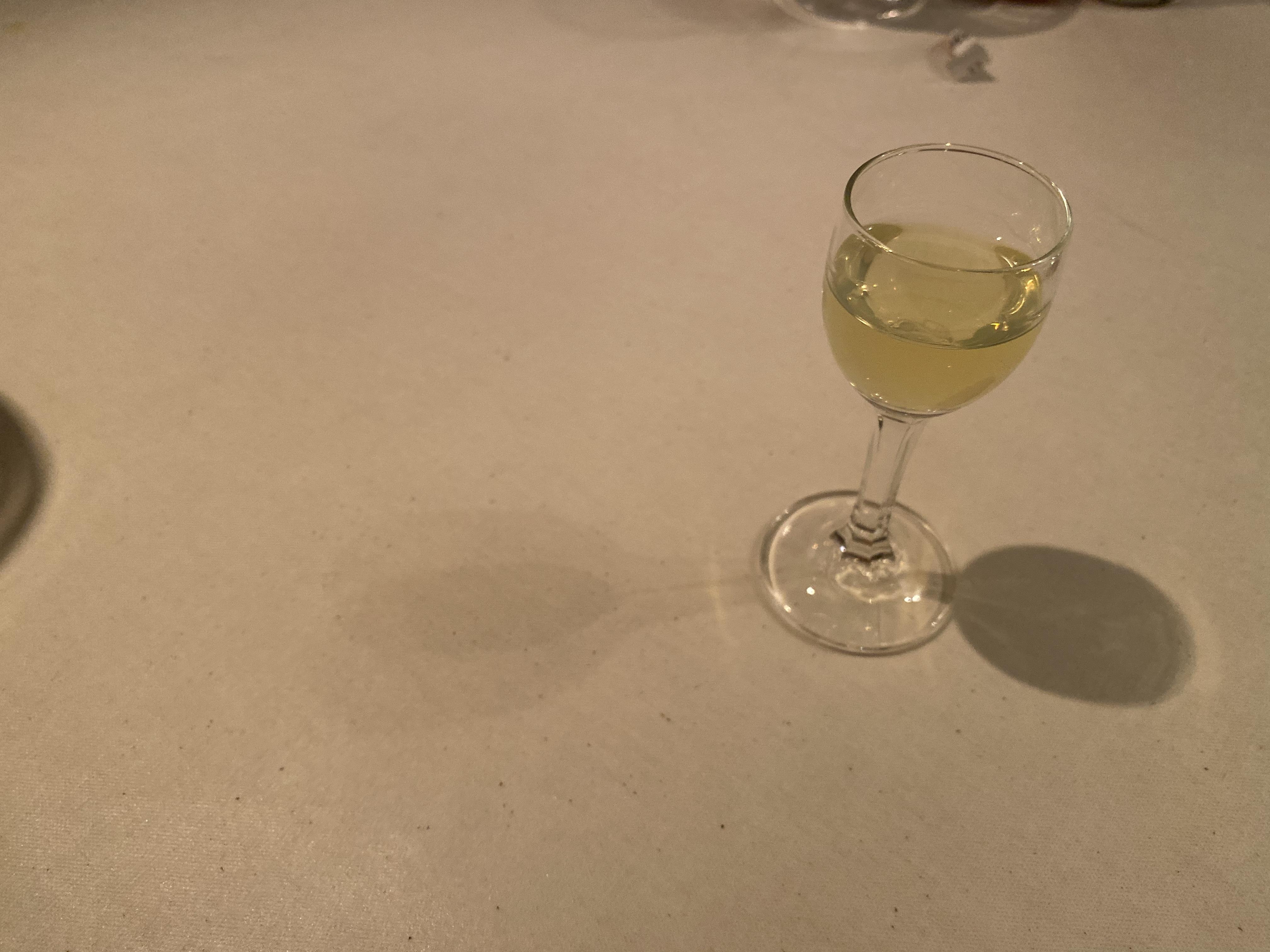 食後酒。リモンチェッロ。六本木にあるガット・ネーロのディナーコース