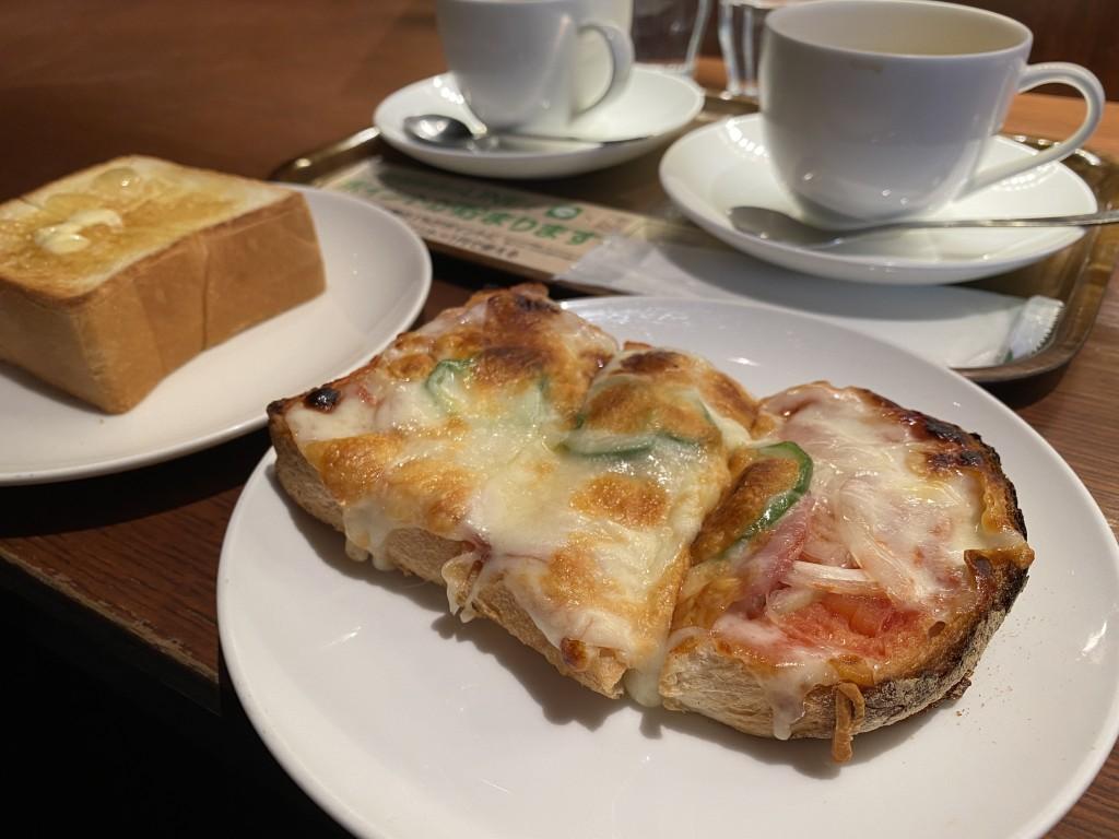 トーストとコーヒー。上島珈琲店でモーニングした。モーニングいいね